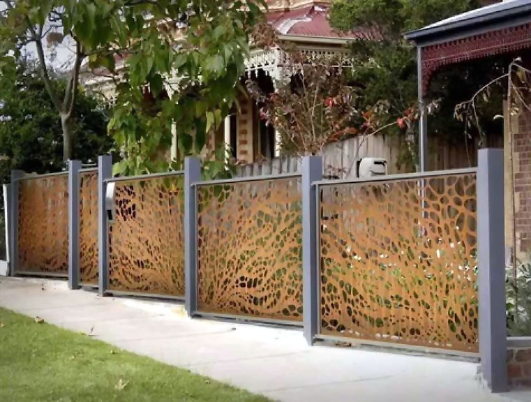 Garden fences are regularly hooked up round flower beds.
