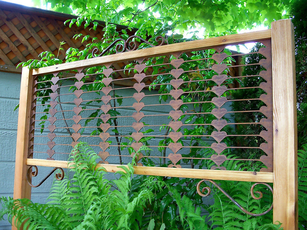 Reliable materials for garden trellis