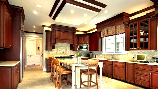 Curves are making a significant appearance in so many traditional design kitchens.