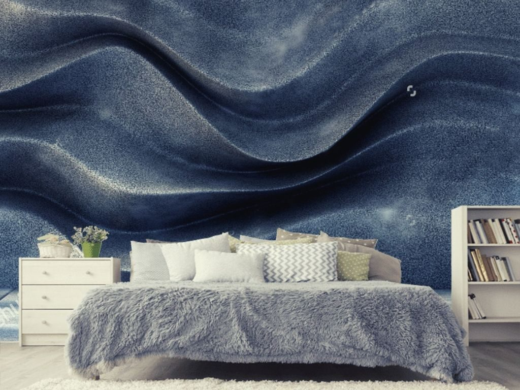 Metallic wallpaper with a definite shine is new on the blue wallpaper designing trends.