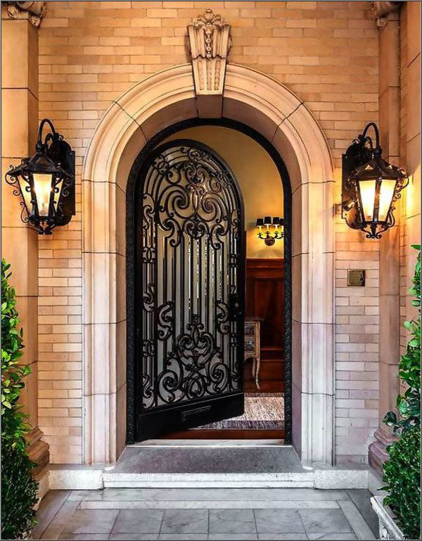 Modern Iron Doors are there to beautify your home