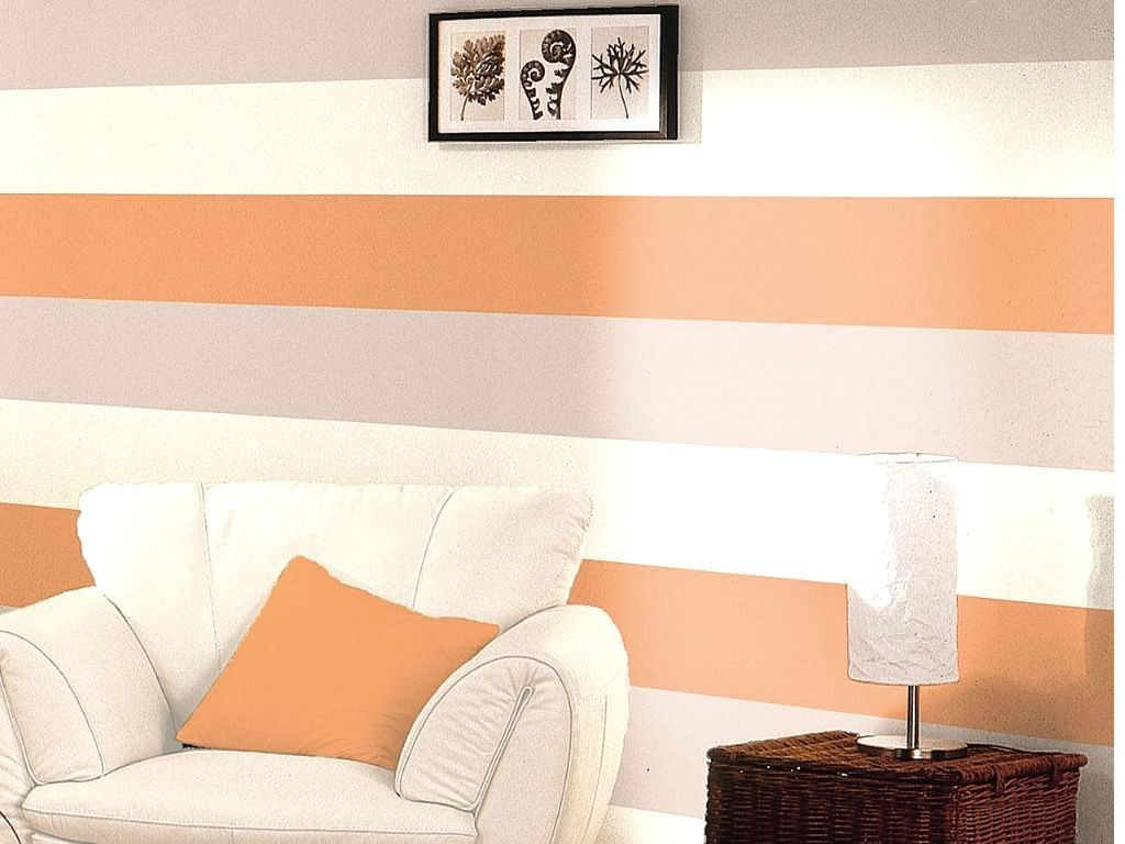 The use of orange color in the wallpaper gives out a softer tint.
