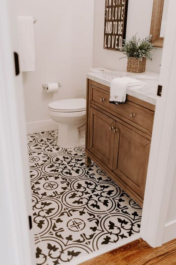 The Best Bathroom Flooring Ideas On A, What Is The Best Flooring For Small Bathrooms