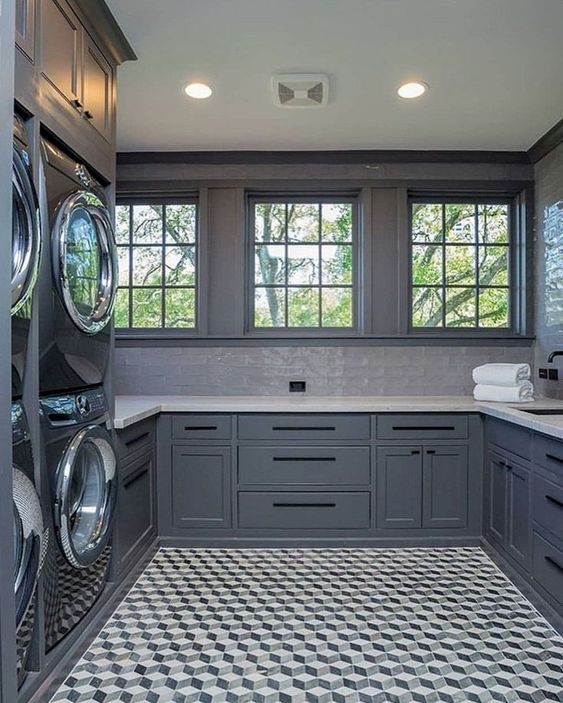12 Wonderful Large Laundry Room Ideas To Makeover Your Laundry